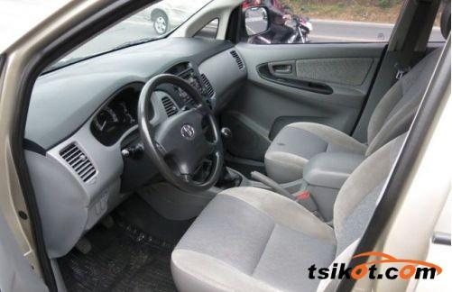 Toyota Innova 2008 - 5