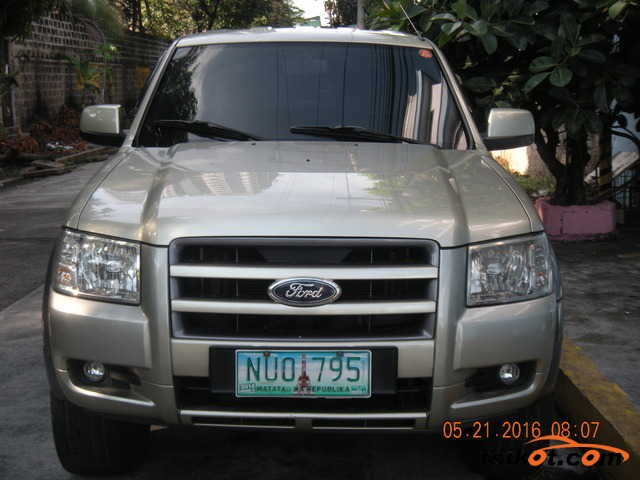 Ford 17M 2012 - 1