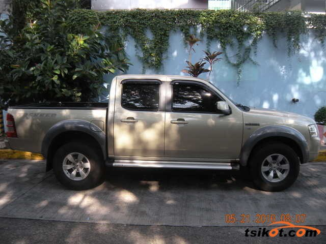 Ford 17M 2012 - 2