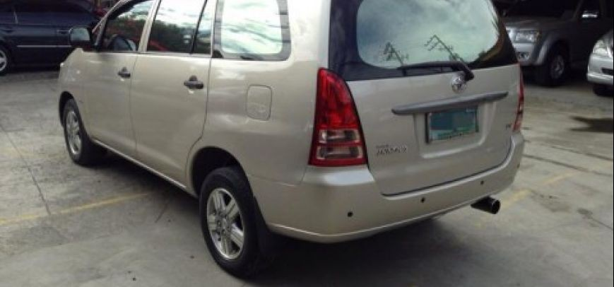 Toyota Innova 2008 - 10
