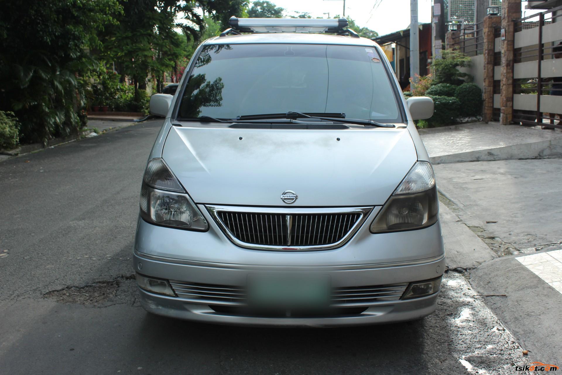 Nissan Serena 2004 - 2