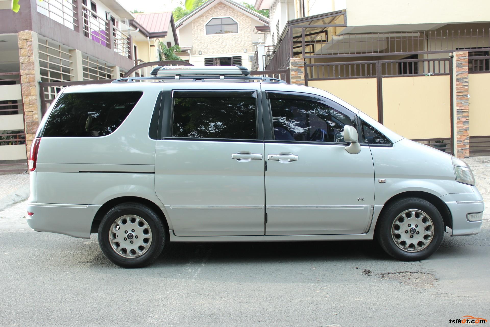 Nissan Serena 2004 - 3