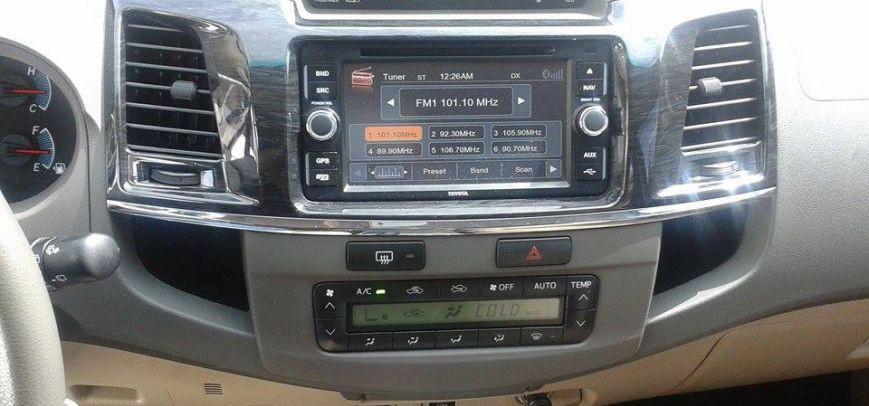 Toyota Fortuner 2012 - 16