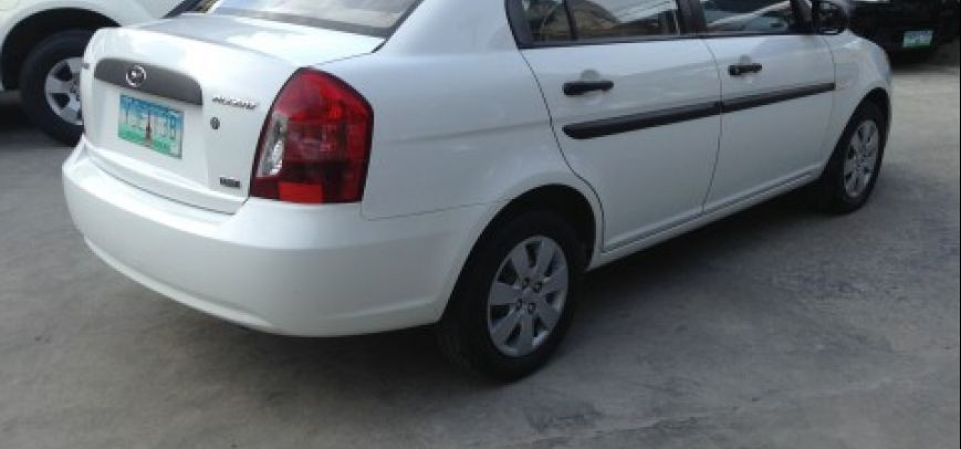 Hyundai Accent 2010 - 10
