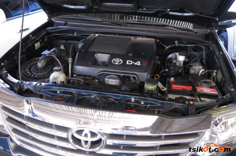 Toyota Fortuner 2013 - 7