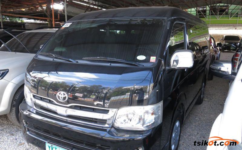Toyota Hi-Ace 2012 - 10