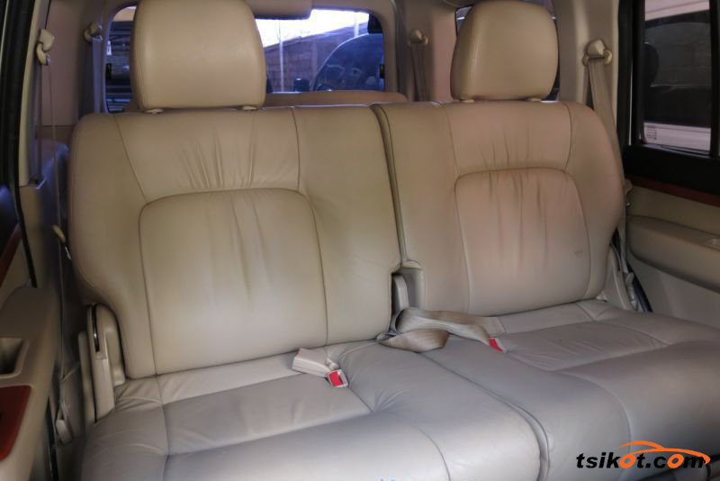 Ford Everest 2011 - 10