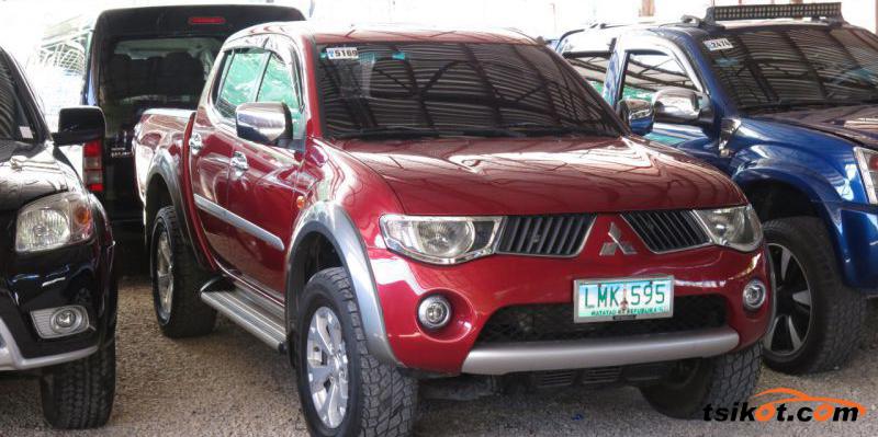 Mitsubishi Strada 2009 - 2