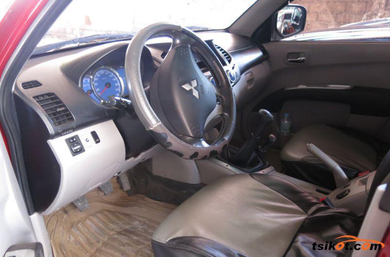Mitsubishi Strada 2009 - 5