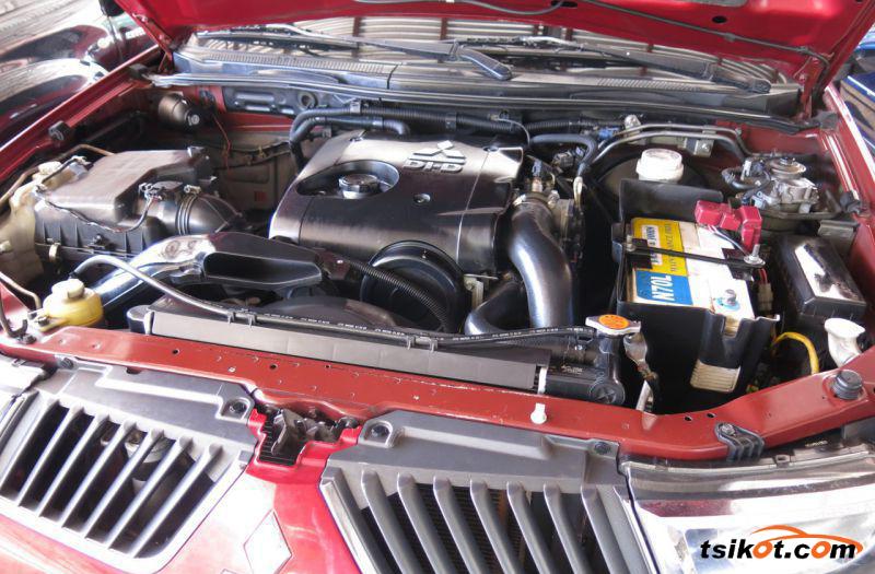 Mitsubishi Strada 2009 - 9