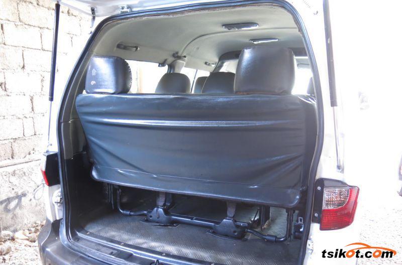 Hyundai Starex 2008 - 8