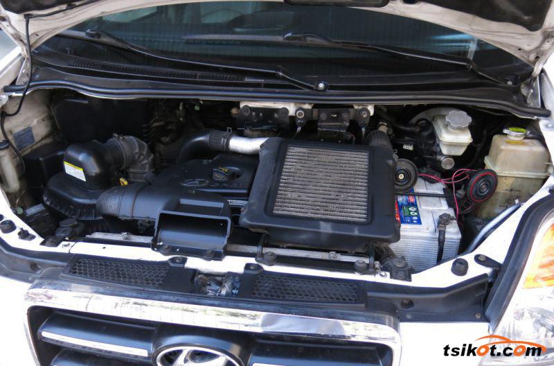 Hyundai Starex 2008 - 9