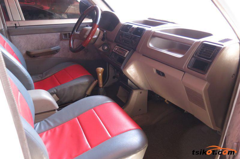 Mitsubishi Adventure 2006 - 5