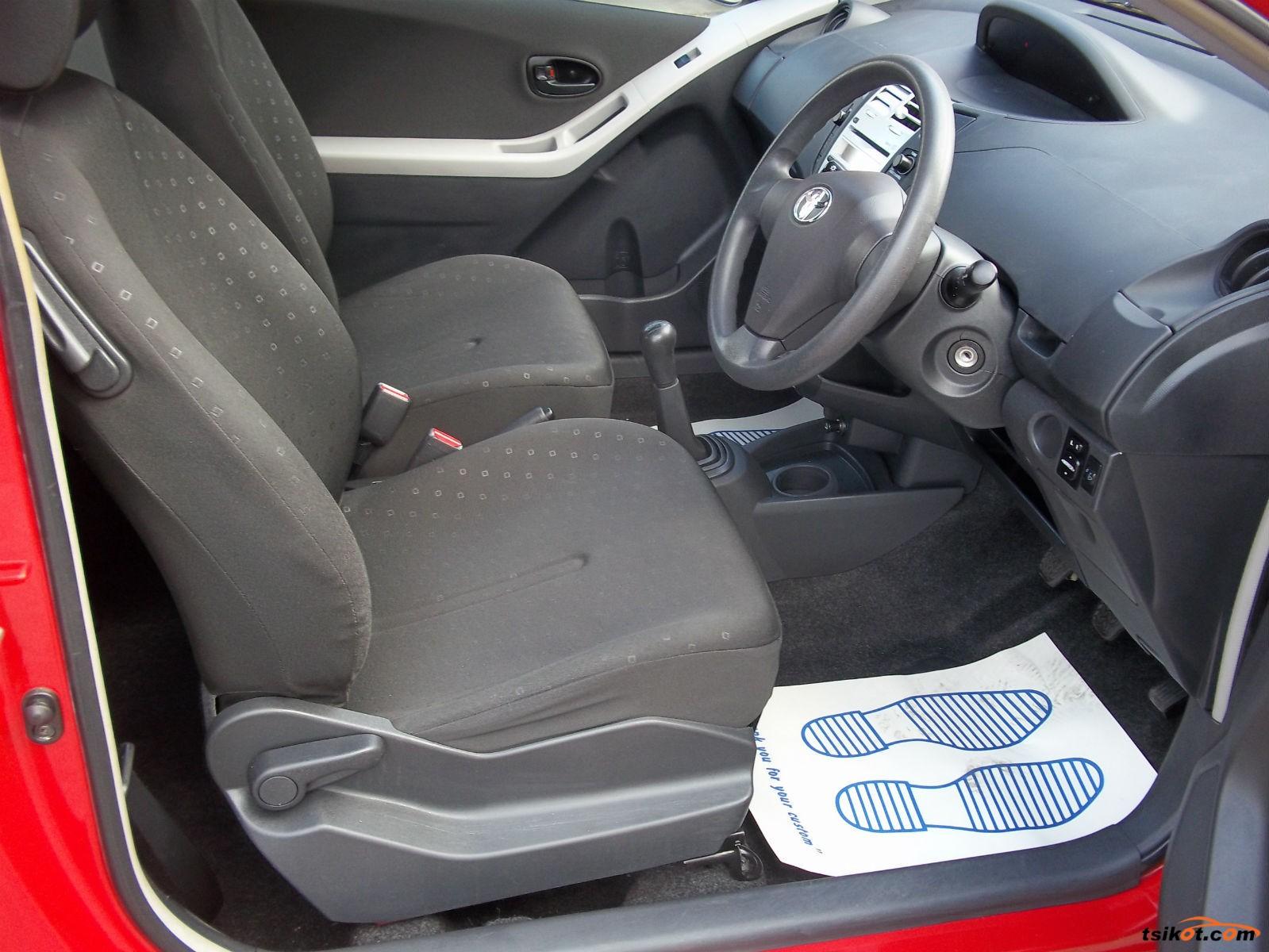 Toyota Yaris 2011 - 6