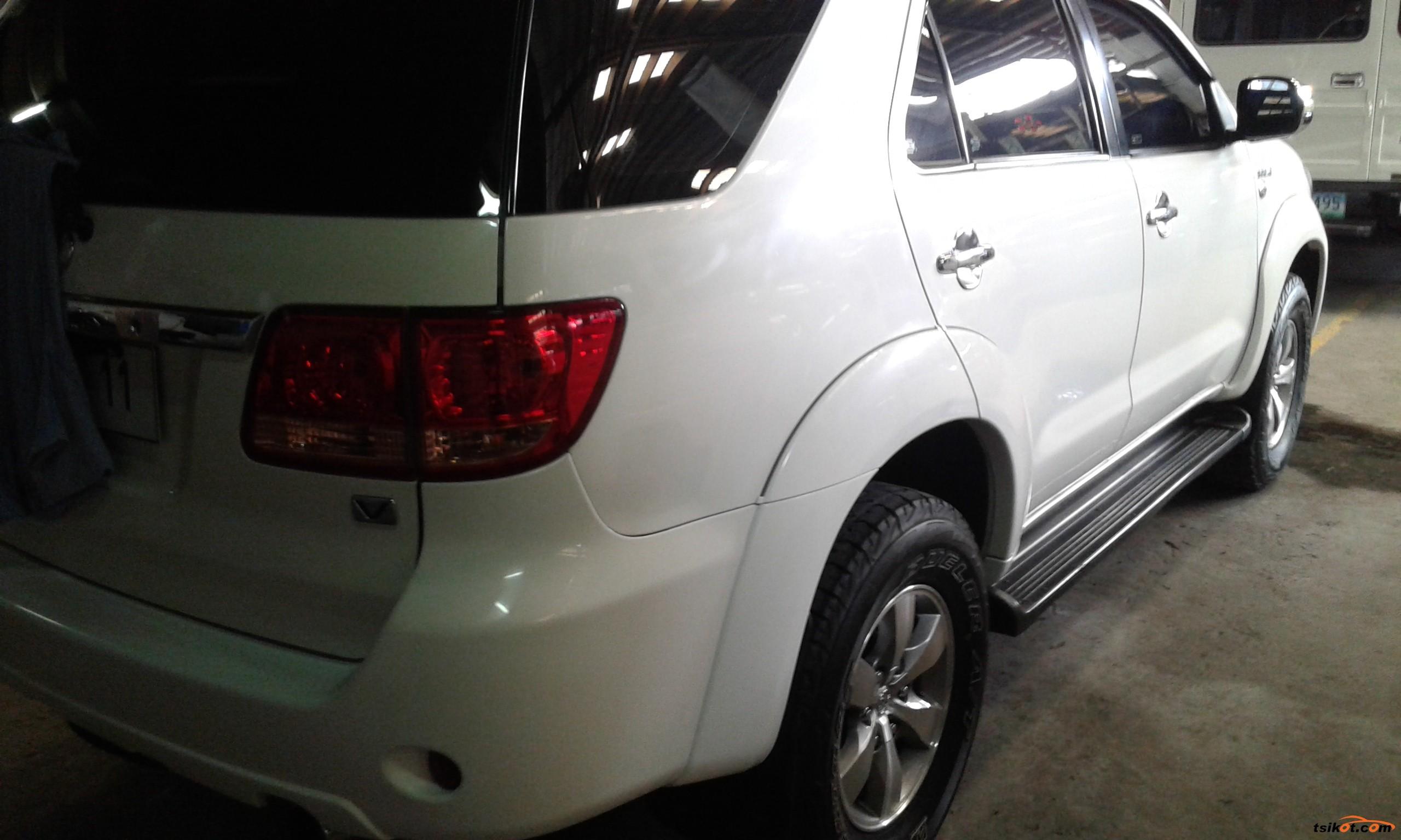 Toyota Fortuner 2005 - 6