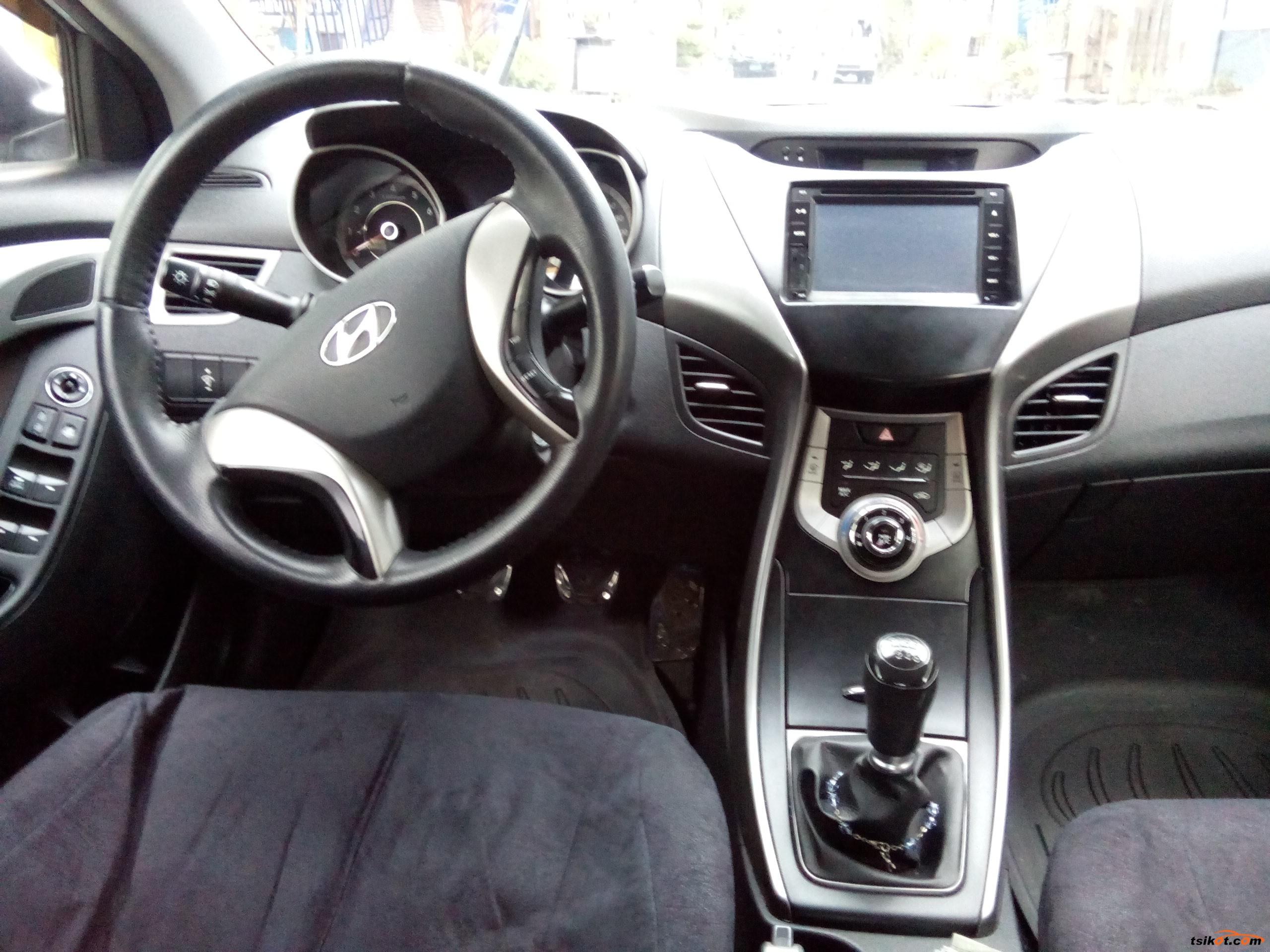 Hyundai Elantra 2013 - 9