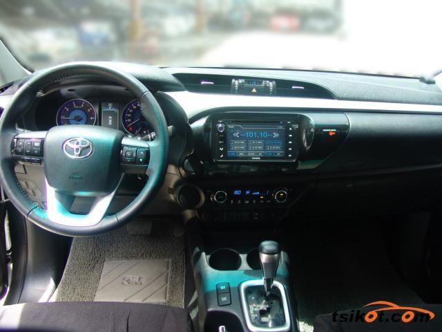 Toyota Hilux 2016 - 3