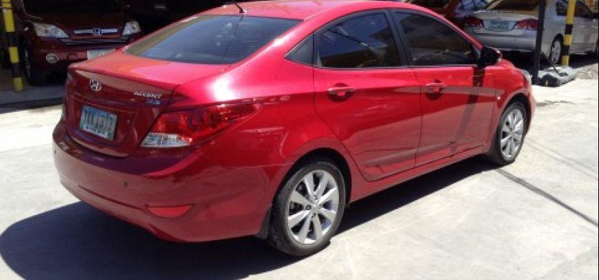 Hyundai Accent 2012 - 4
