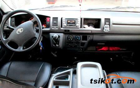 Toyota Hi-Ace 2009 - 5
