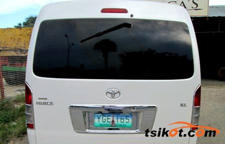 Toyota Hi-Ace 2009 - 4