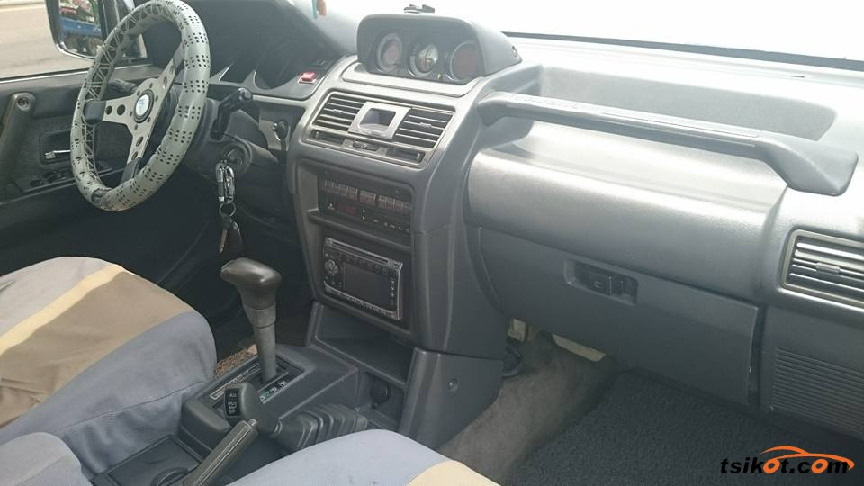 Mitsubishi Pajero 2007 - 6