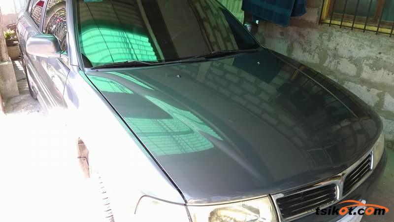 Mitsubishi Lancer 2000 - 7