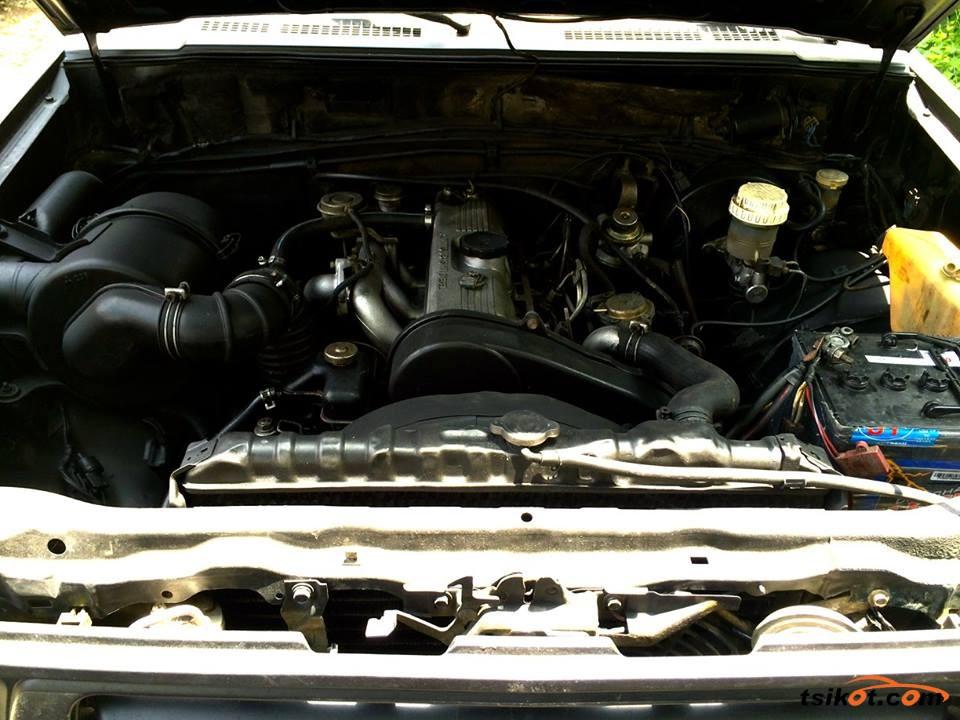 Mitsubishi Strada 1998 - 4