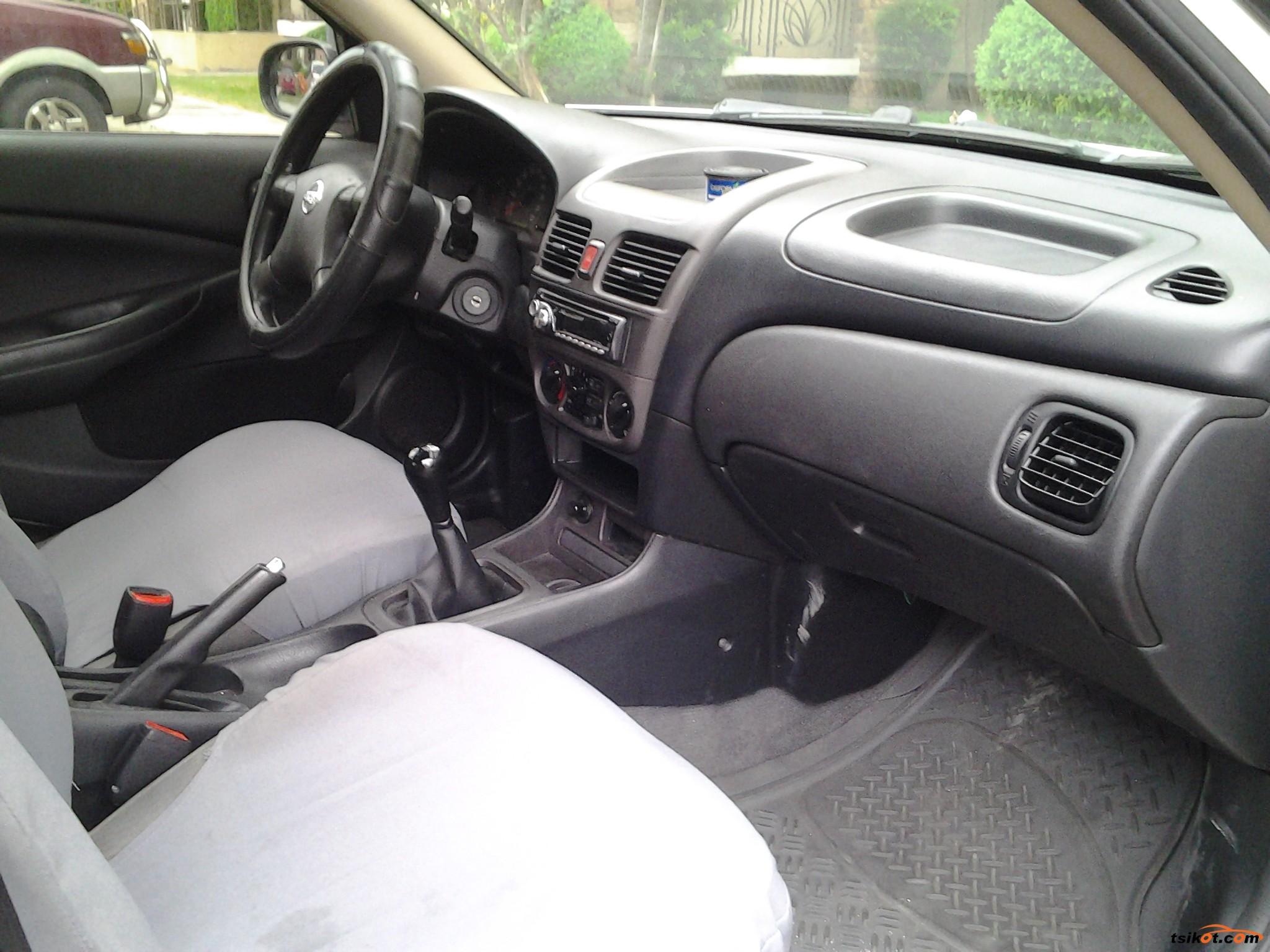 Nissan Sentra 2011 - 3