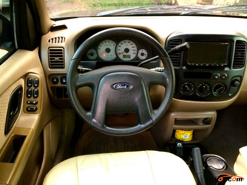 Ford Escape 2004 - 5