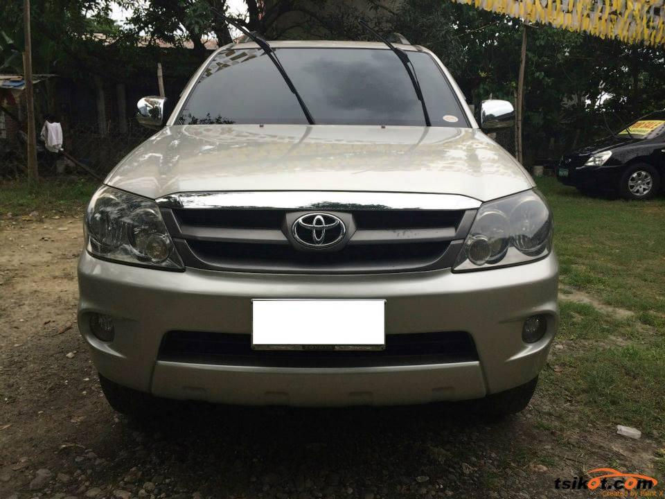 Toyota Fortuner 2006 - 7