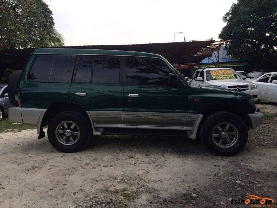 Mitsubishi Pajero 2002 - 7