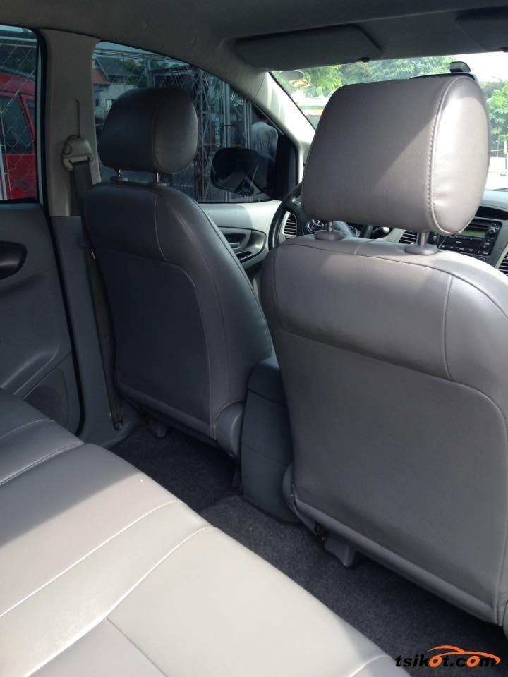 Toyota Innova 2009 - 8