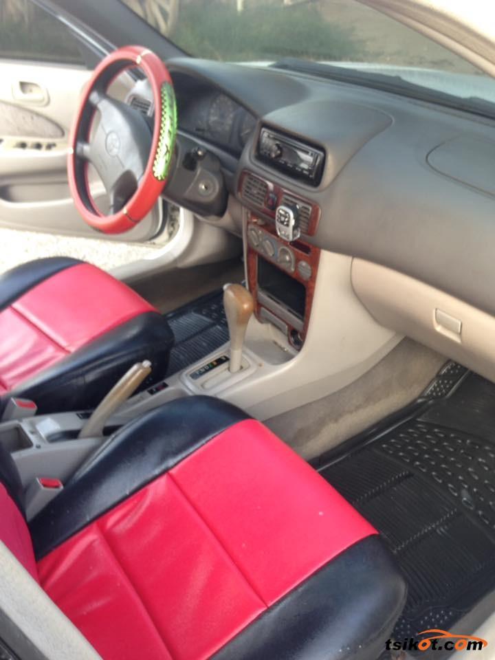 Toyota Corolla 1998 - 6