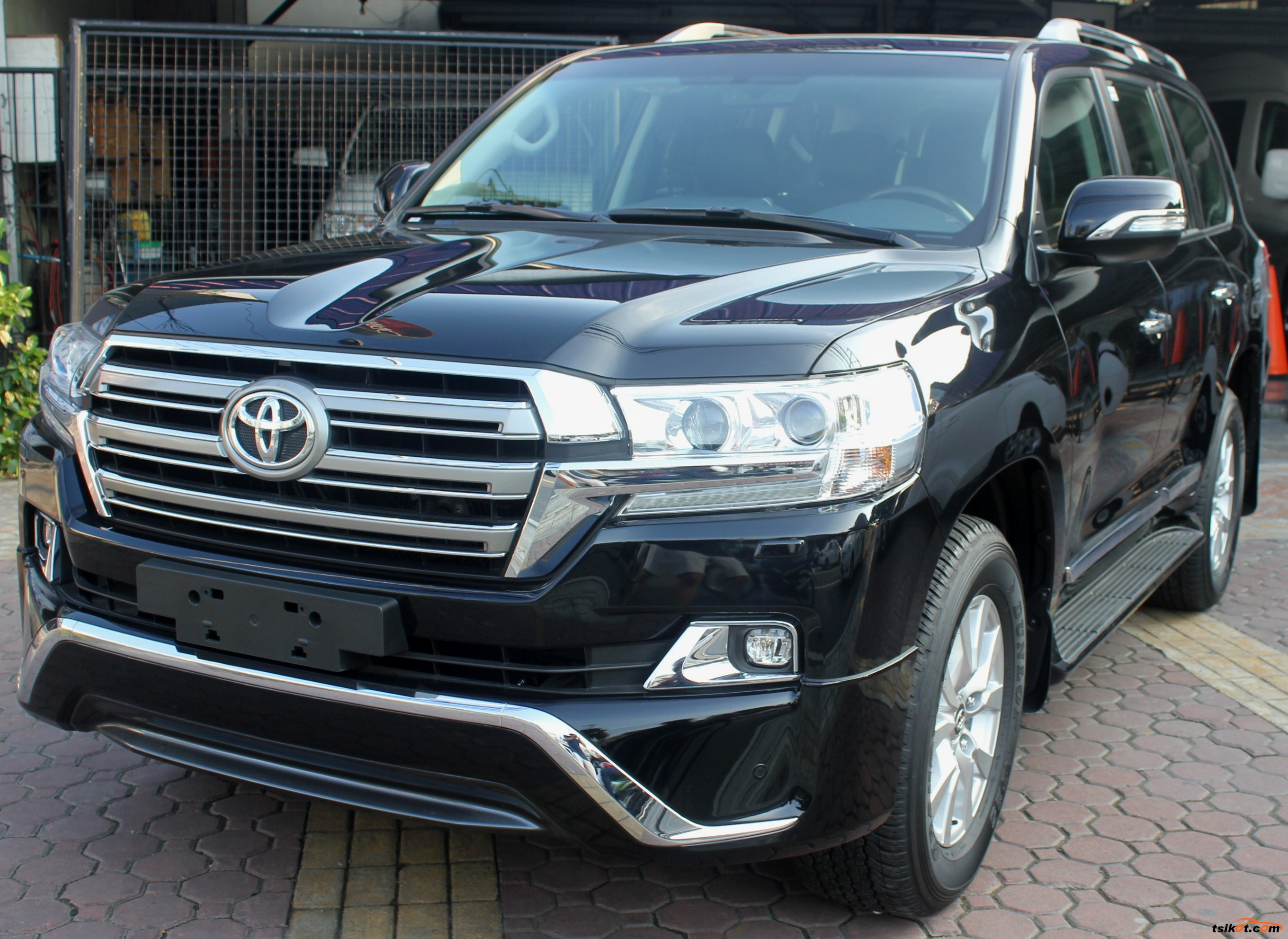 toyota land cruiser 2017 car for sale metro manila. Black Bedroom Furniture Sets. Home Design Ideas