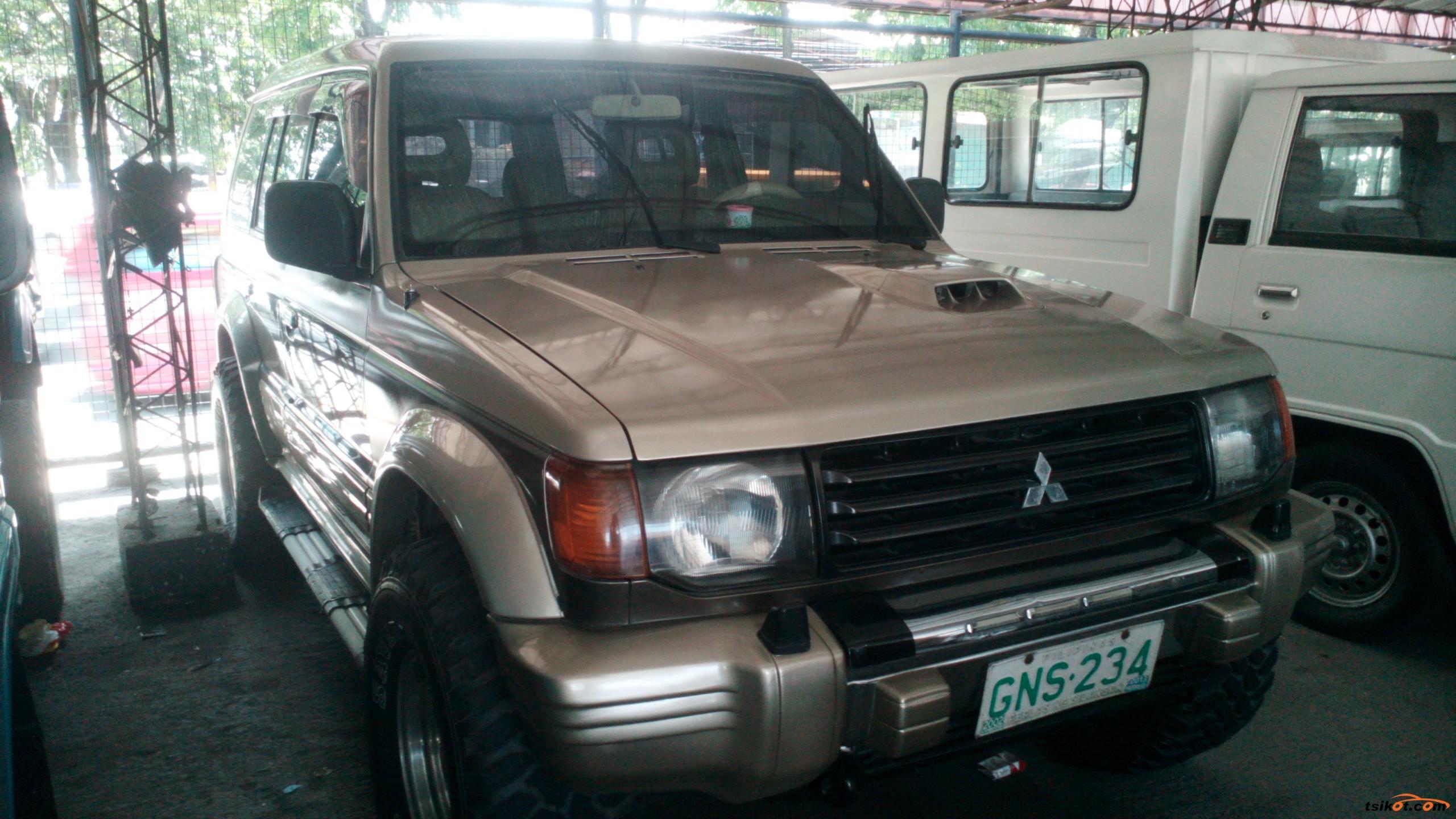 Mitsubishi Pajero 2002 - 1