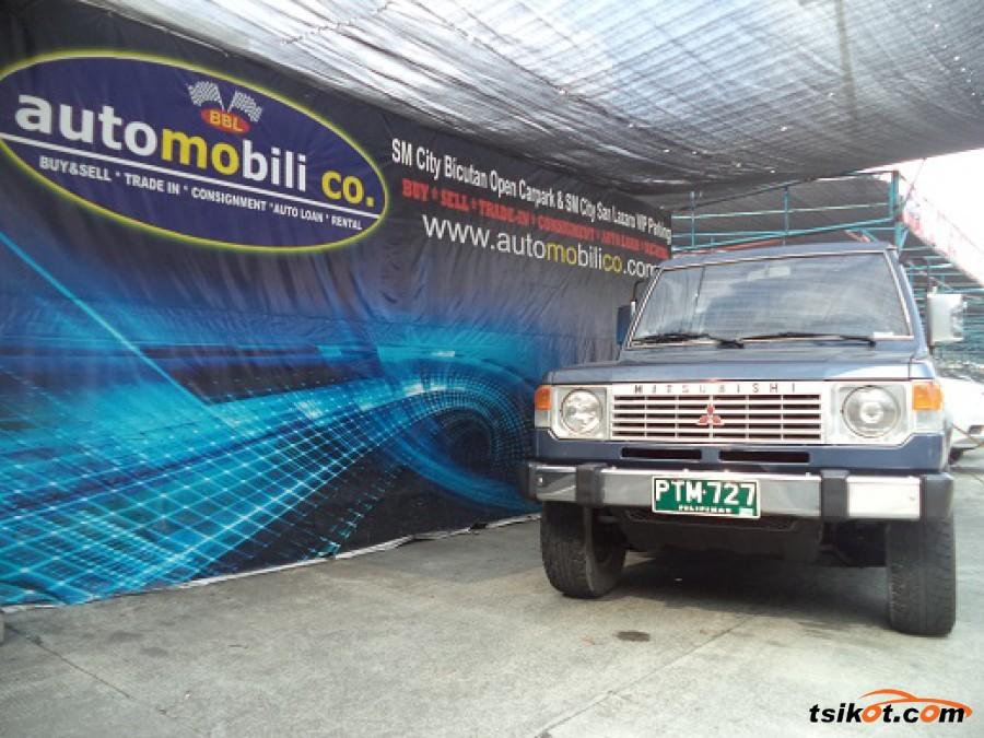 Mitsubishi Pajero 1989 - 4