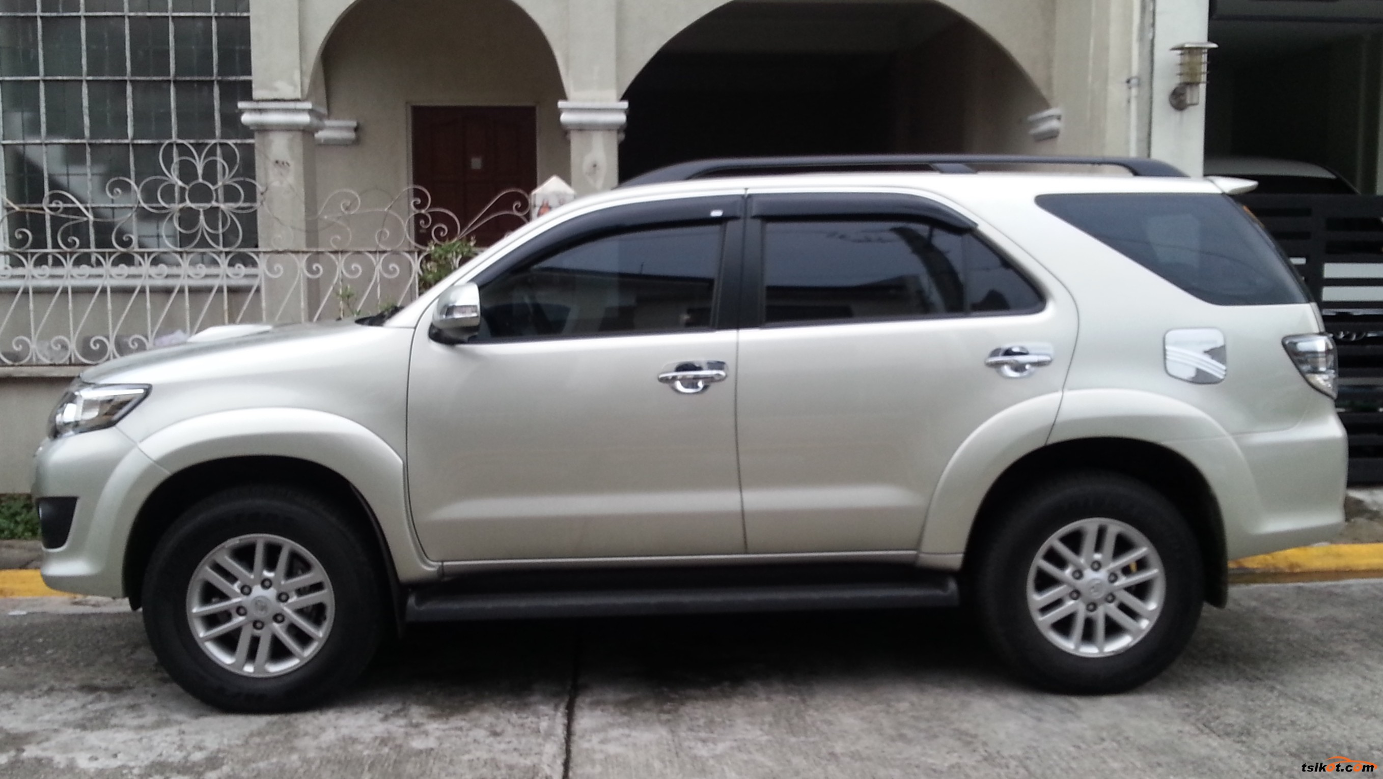 Toyota Fortuner Used Car Price