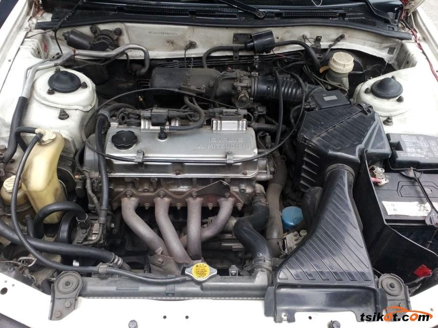 Mitsubishi Galant 2001 - 4