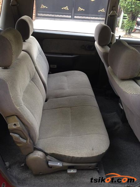 Mitsubishi Space Wagon 1994 - 8