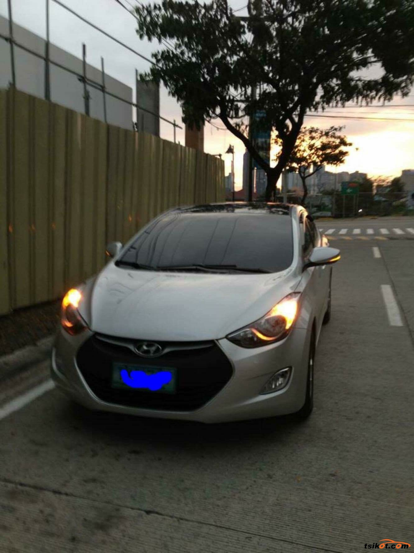 Hyundai Elantra 2011 - 2