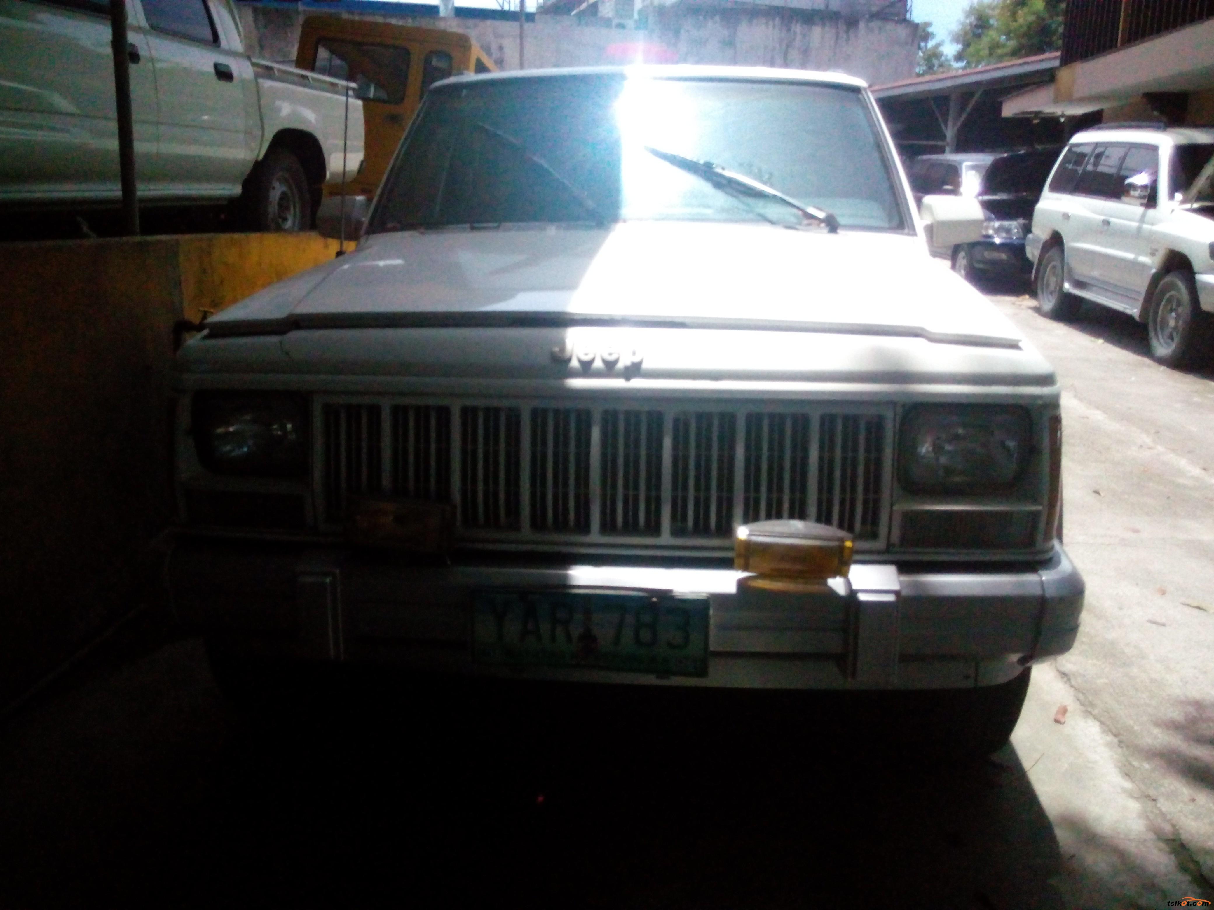 Jeep Cherokee 2005 - 3