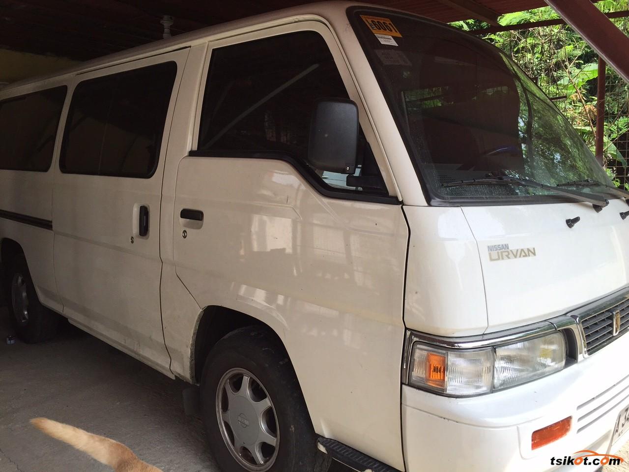 Nissan Urvan 2014 - 1