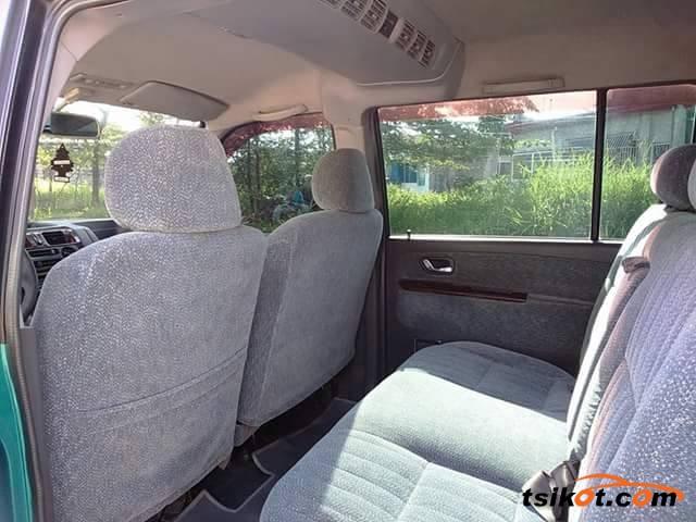 Mitsubishi Adventure 2000 - 5