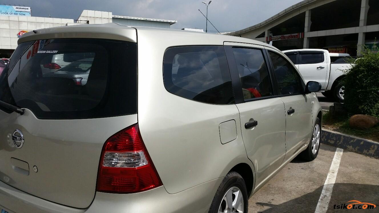 Nissan Livina 2010 - 3