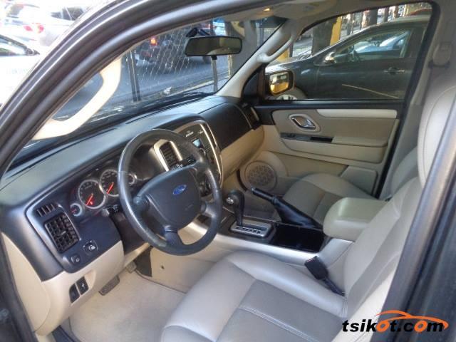 Ford Escape 2010 - 4
