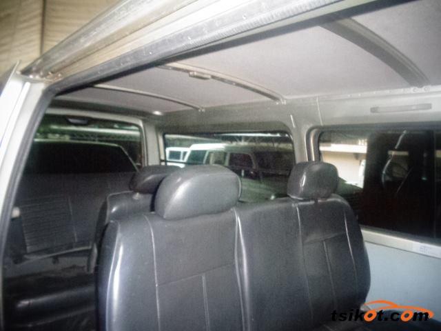 Nissan Urvan 2005 - 4