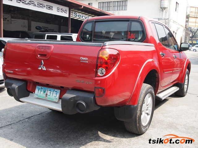 Mitsubishi Strada 2008 - 2
