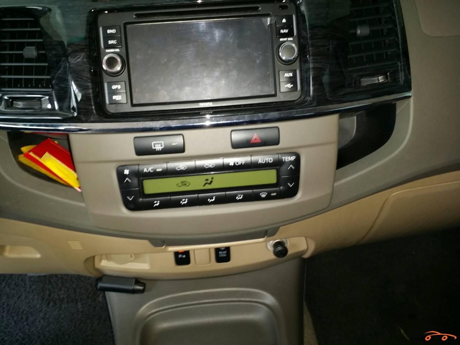 Toyota Fortuner 2013 - 5