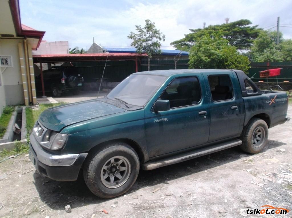 Nissan Frontier 2000 - 3