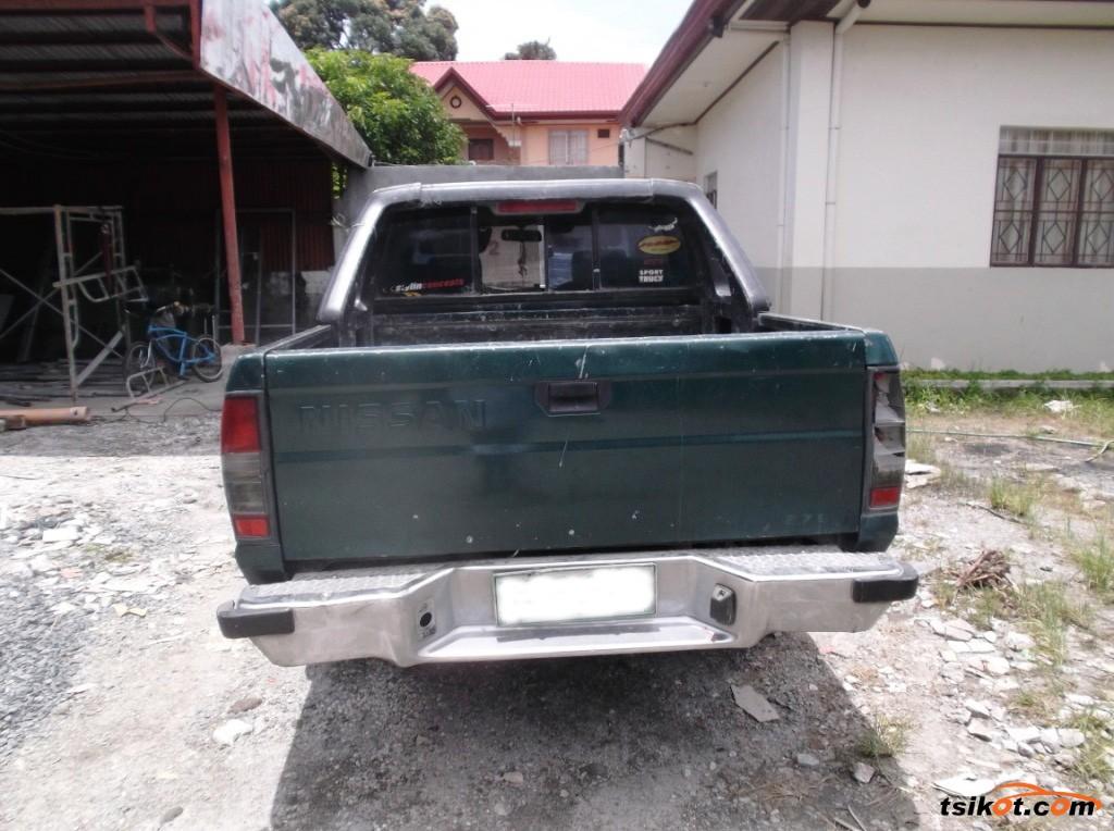 Nissan Frontier 2000 - 4